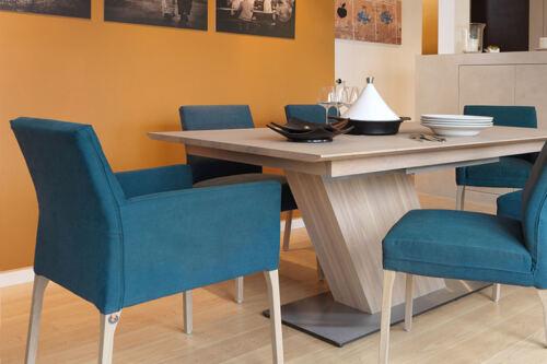 Eetkamerstoel Kali met armleuning. Nieuwe eetkamerstoelen, projectstoelen of barkrukken nodig? Kom inspiratie opdoen in onze WOONWINKEL te GENDT ARNHEM / NIJMEGEN