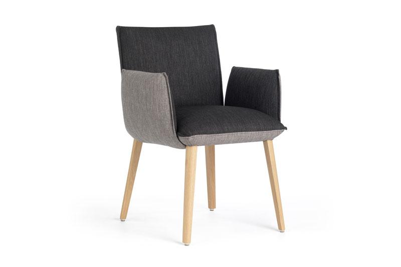 Mobitec eetkamerstoel Soft met armleuning. Nieuwe eetkamerstoelen, projectstoelen of barkrukken nodig? Kom inspiratie opdoen in onze Woonwinkel.