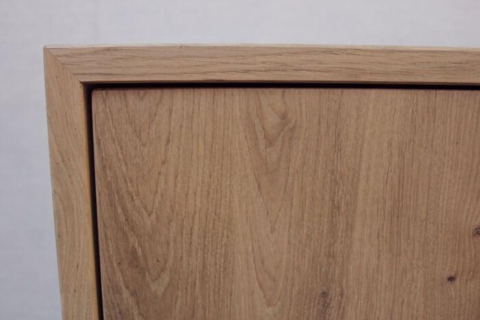 Eiken dressoir Emma. Diverse afmetingen, indelingen en kleuren mogelijk. Een nieuwe dressoir? Kom inspiratie opdoen in onze Woonwinkel.