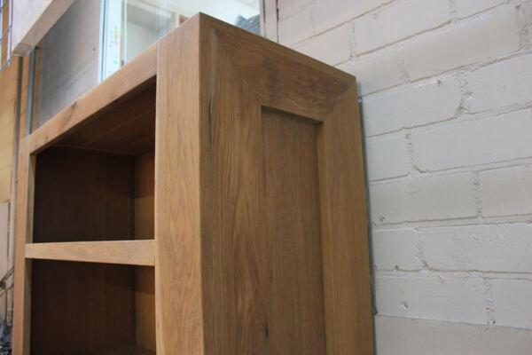 Eiken kast Sanne. Diverse afmetingen, indelingen en kleuren mogelijk. Een nieuwe dressoir? Kom inspiratie opdoen in onze Woonwinkel.