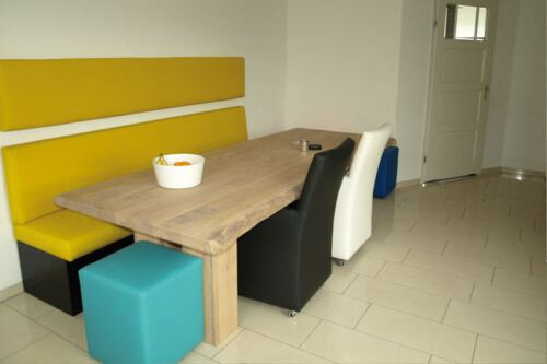 Keuken zithoek op maat, eigen ontwerp. Diverse afmetingen, indelingen en kleuren mogelijk. Een nieuwe kast nodig? Kom inspiratie opdoen in onze Woonwinkel.
