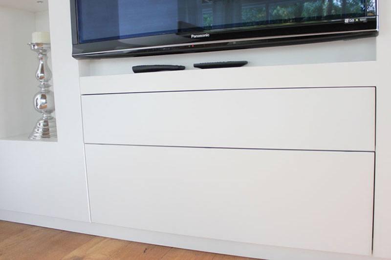 Roomdivider MDF eigen ontwerp. Diverse afmetingen, indelingen en kleuren mogelijk. Een nieuwe kast nodig? Kom inspiratie opdoen in onze Woonwinkel.