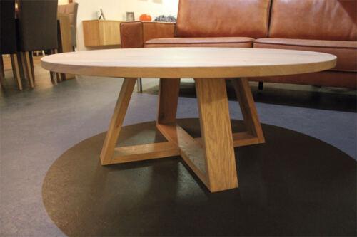 Ronde eiken salontafel Ø110cm op maat gemaakt. Deze eiken salontafel is gemaakt in de Meubelmakerij van Sessinkwonen te Gendt gelegen tussen Arnhem en Nijmegen in Gelderland. Andere kleuren, andere afmetingen en andere modellen zijn mogelijk.