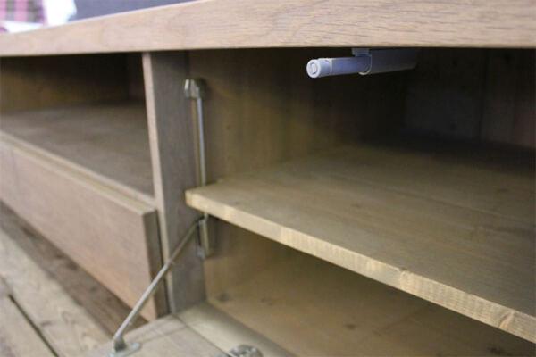 Eiken tv meubel José. Op zoek naar een mooi eiken tv-meubel. Wij maken uw tv-meubel op maat! Kom inspiratie op doen in onze woonwinkel te Gendt gelegen tussen Arnhem en Nijmegen.