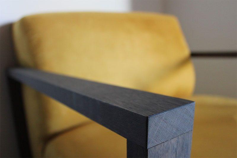 Fauteuil Manor XL van onze leverancier Meubitrend. Op zoek naar een nieuwe fauteuil, loveseat of bank? Kom inspiratie opdoen in onze woonwinkel in Gendt, tussen Arnhem en Nijmegen.