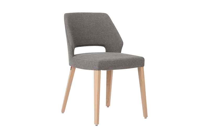 Eetkamerstoel Lena van onze leverancier Mobitec. Diverse afmetingen en kleuren mogelijk. Een nieuwe eetkamer stoel nodig? Kom inspiratie opdoen in de Woonwinkel / Meubelmakerij van Sessink Wonen te Gendt, gelegen tussen Arnhem en Nijmegen.