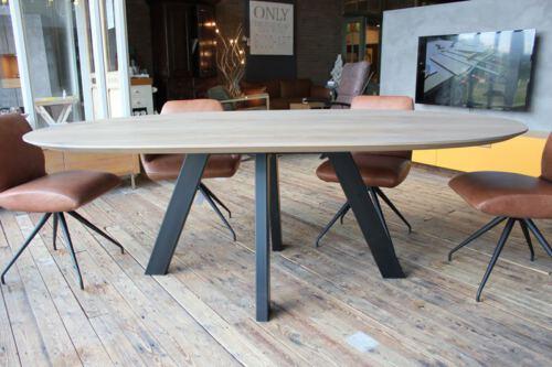 Wij maken UW TAFEL OP MAAT in eigen meubelmakerij! Op zoek naar een RONDE TAFEL? Bezoek onze WOONWINKEL & MEUBELMAKERIJ te GENDT NL regio Nijmegen / Arnhem.