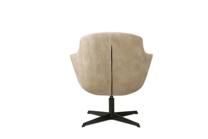 Fauteuil Candy van onze leverancier Het Anker. Trendy design fauteuil met een comfortabele lage zit. Leverbaar in verschillende leder- en stofsoorten. Een nieuwe fauteuil nodig? Kom inspiratie opdoen in de Woonwinkel & Meubelmakerij van Sessink Wonen te Gendt, gelegen tussen Arnhem en Nijmegen.