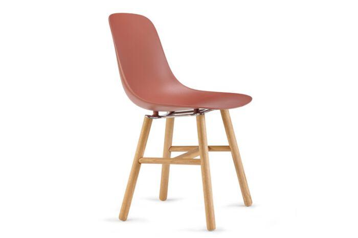 Stoel Pure Loop Mono Retro is van het Italiaanse merk Infiniti en ontworpen door de bekende Deense ontwerper Claus Breinholt. Diverse stoelpoten en kleuren mogelijk. Nieuwe eetkamerstoelen of projectstoelen? Kom inspiratie opdoen in onze Woonwinkel te Gendt, tussen Arnhem en Nijmegen.