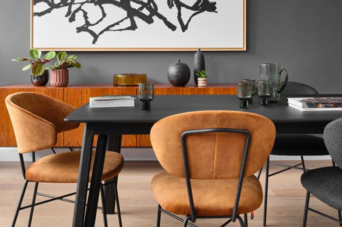 Eetkamer stoel TORO met armleuning van onze leverancier Mobitec. Comfortabele eetkamer stoel en leverbaar in verschillende stoffen en kleuren. Een nieuwe eetkamer stoel nodig? Kom inspiratie opdoen in de Woonwinkel & Meubelmakerij van Sessink Wonen te Gendt, gelegen tussen Arnhem en Nijmegen.
