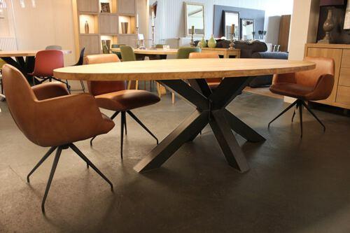 Ellips eiken tafel Thialf stalen kruispoot. Tafel op maat gemaakt van eiken hout in onze Meubelmakerij in Gendt, tussen Arnhem en Nijmegen. Ook een maatwerk eettafel? Elke maat en andere houtsoorten zijn mogelijk. Meer INFO? Bel: 0481 423134 of mail: info@sessinkwonen.nl.