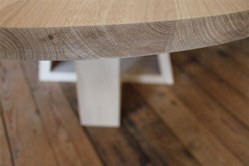 Ronde eiken salontafel 80 cm op maat gemaakt. Deze eiken salontafel is gemaakt in de Meubelmakerij van Sessinkwonen te Gendt gelegen tussen Arnhem en Nijmegen in Gelderland. Andere kleuren, andere afmetingen en andere modellen zijn mogelijk.